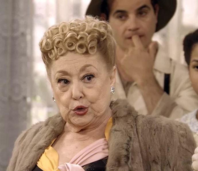 Paulina conta segredo sobre passado de Cunegundes (Foto: TV Globo)