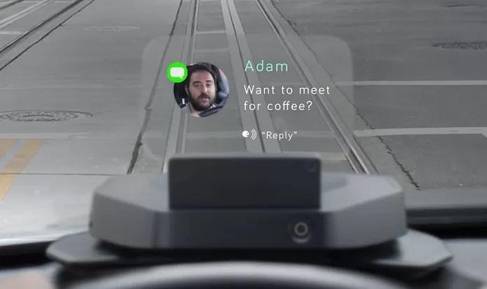 Navdy cria tela virtual projetada no vidro do carro (Foto: Divulgação/Navdy)