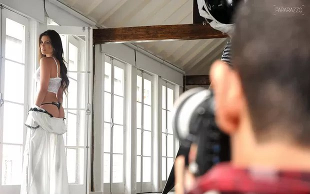 Making of - Kamilla posa para o Paparazzo (Foto: Claudia Dantas / Cia da Foto)