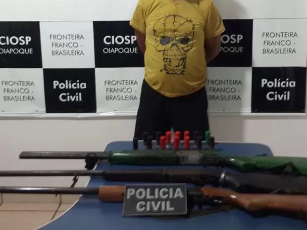 Pai que teria abusado de filhas foi detido com armas e munições (Foto: Divulgação/Polícia Civil)