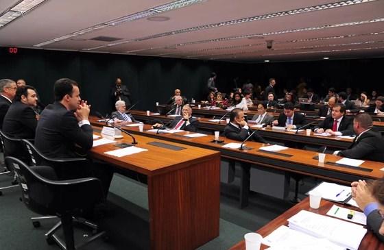 """Sessão da Comissão de Direitos Humanos que aprovou projeto da """"cura gay"""", na Câmara dos Deputados (Foto: Alexandra Martins/Ag. Câmara)"""