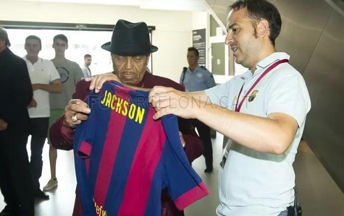 Pai do Michael Jackson no Museu do Barcelona (Foto: Víctor Salgado / Barcelona)