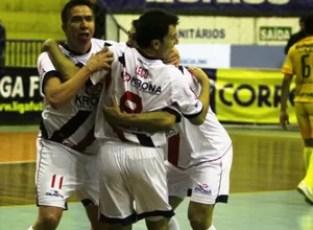 Joinville vence o Assoeva pela Liga Futsal (Foto: Manolo Quiróz/Divulgação)