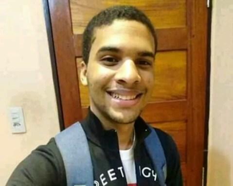 José Allyson de Siqueira, de 20 anos, foi morto a tiros em Brejo da Madre de Deus — Foto: Reprodução/Facebook