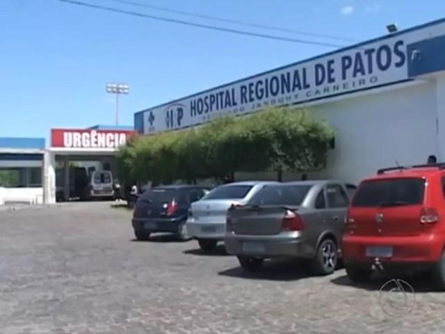 Menino precisou ser transferido para a Unidade de Tratamento Intensivo (UTI) do Hospital Regional de Patos, no Sertão da Paraíba — Foto: Reprodução/TV Paraíba
