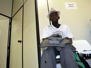 Luiz Balbino, de 61 anos, que faz tratamento no Hospital de Clínicas da Unicamp (Foto: Luciano Calafiori/G1)
