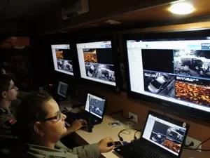 Polícia Militar utilizou câmeras e unidades de monitoramento para garantir a segurança do público (Foto: Frederico Martins/G1)