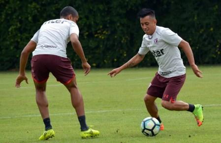 Mais leve, Cueva tem aparecido em diversos setores do campo durante as partidas (Foto: Érico Leonan / saopaulofc.net)