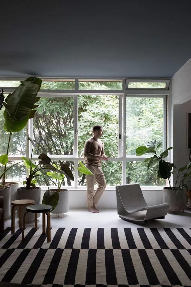 Maurcio Arruda mostra seu apartamento com tetos coloridos