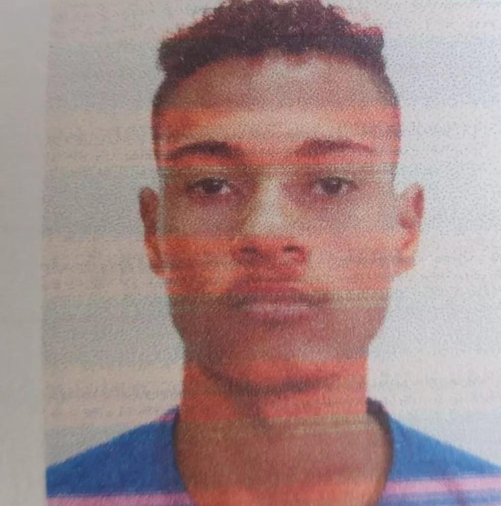 Matheus Alves dos Santos, de 21 anos, foi morto durante um assalto em Rio Branco  — Foto: Reprodução
