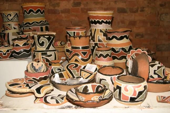 Cerâmica confeccionada pelos índios Kadiwéu, conhecida internacionalmente como Cerâmica Kadiwéu.  — Foto: Governo de MS