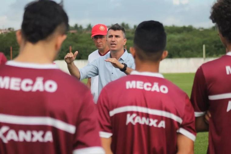 Jocian Bento virou corrdenador das bases do América-RN (Foto: Canindé Pereira/América FC)
