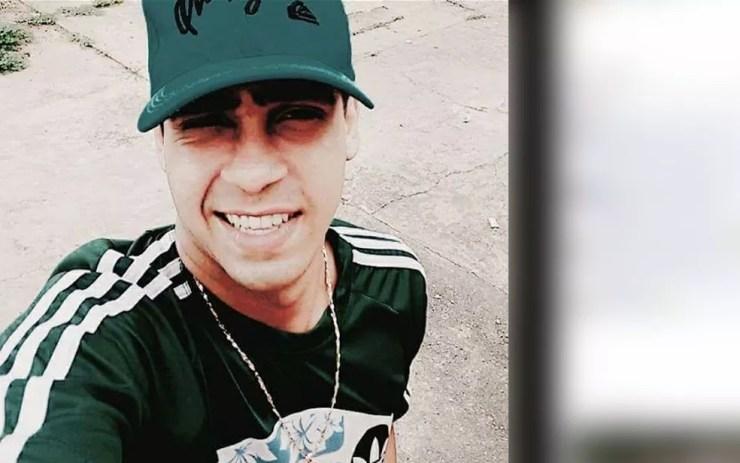 Jovem foi identificado com Paulo Fabrício Ortega Guimarães, de 25 anos — Foto: Facebook/Reprodução