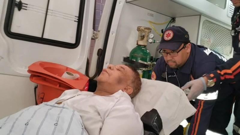 Agnaldo Timóteo transferido para Salvador em UTI aérea — Foto: Blogbraga/ Repórter Ivonaldo Paiva