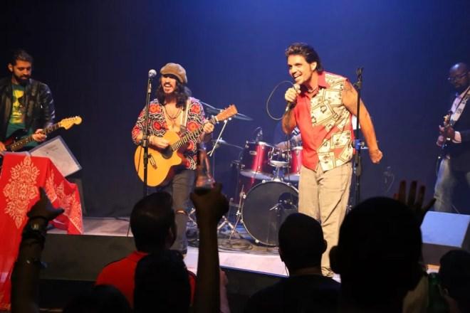 Marcus Menna em show com a banda Os Cinco Sentidos (Foto: Roberto Wertman/Divulgação)