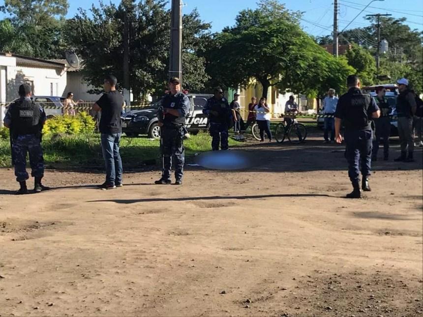 Criança morreu após ser atropelada na manhã desta segunda-feira em Uruguaiana (Foto: Josiane Pimentel/RBS TV)