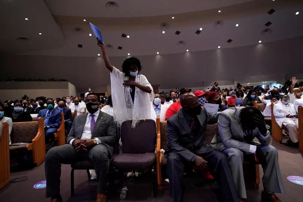 Imagem da cerimônia de enterro de George Floyd, em Houston, em 9 de junho de 2020 — Foto:  David J. Phillip/Pool Via Reuters