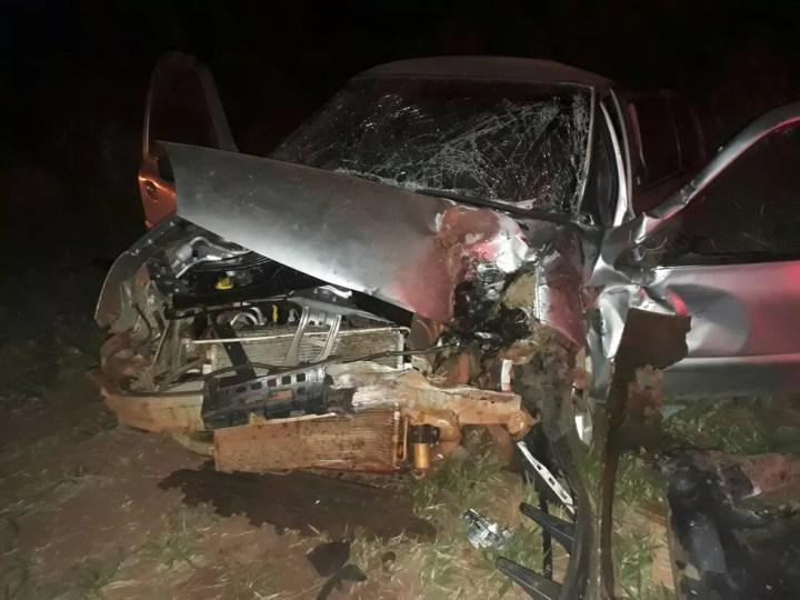 Carro da vítima ficou destruído com o impacto após bater em caminhonete em Paraíso das Águas (Foto: Corpo de Bombeiros / Divulgação)