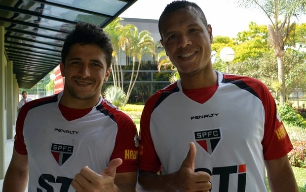 Aloisio e Luis Fabiano (Foto: Site Oficial/saopaulofc.net)