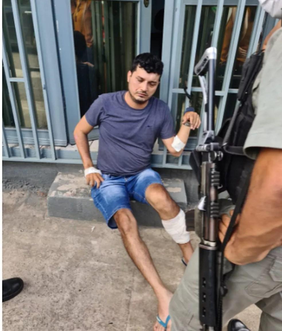 Hitalo Marinho Gouveia foi preso logo após o crime — Foto: Andryo Amaral/Rede Amazônica Acre