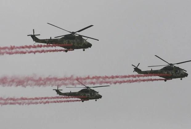 Helicópteros são os primeiros produzidos pelo Exército da Coreia do Sul (Foto: Ahn Young-joon/AP)