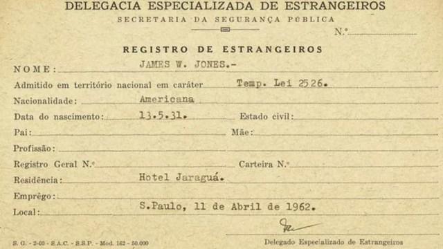O registro de Jim Jones ao chegar em São Paulo: ele apenas pernoitou no hotel Jaraguá (que existe até hoje) com a família — Foto: Arquivo Público de SP