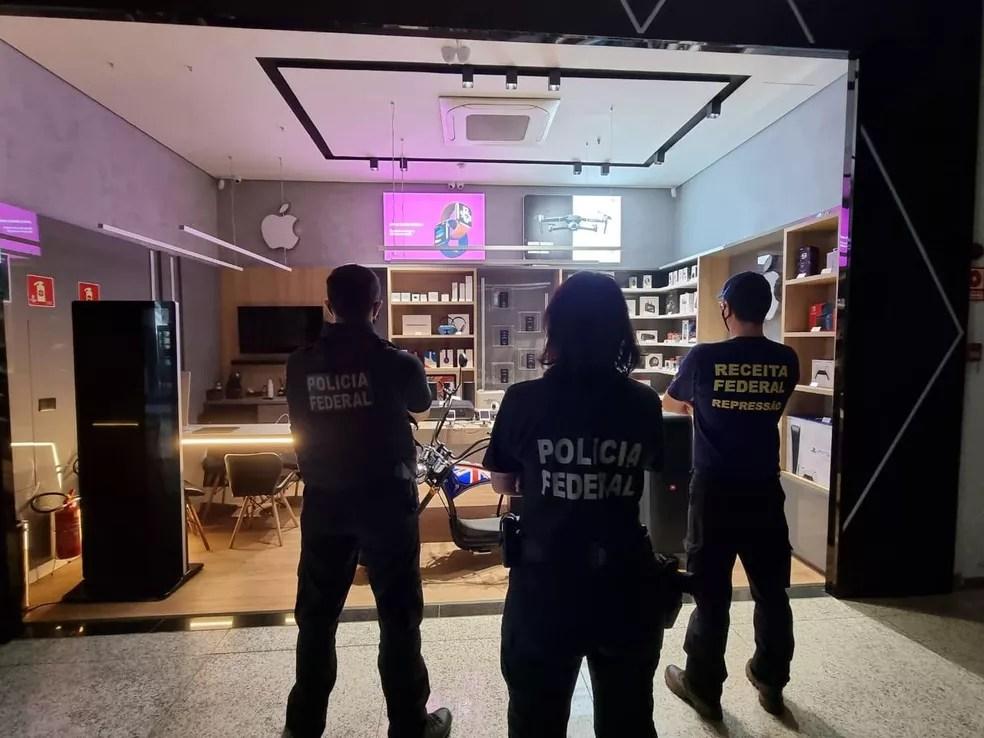 Loja que vendia produtos contrabandeados é um dos endereços da operação — Foto: PF/Divulgação