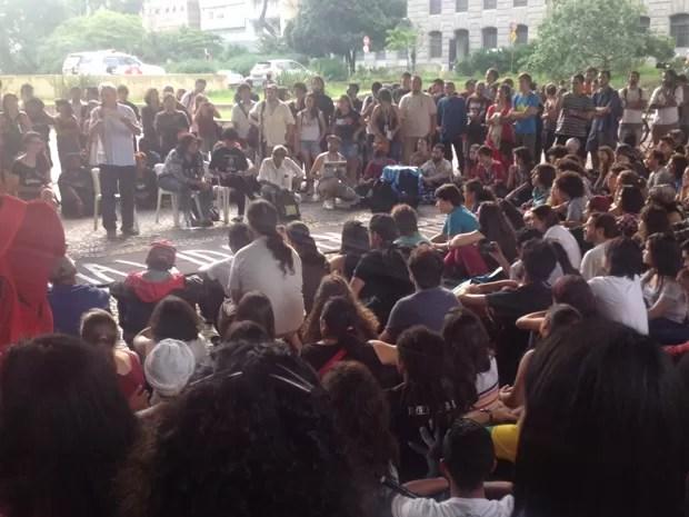 Aula pública do MPL (Foto: Paulo Piza/ G1)
