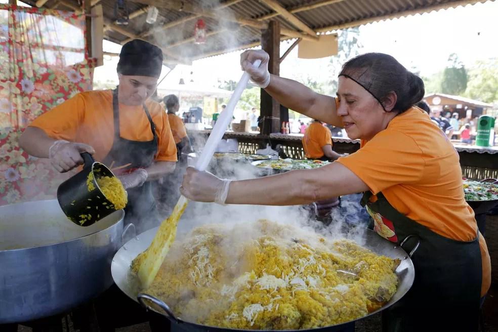 Galinhada do Kambukira, um dos pratos mais pedidos  (Foto: Fernando Pilatos)