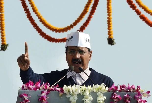 Arvind Kejriwal durante discurso após sua posse como chefe de governo de Nova Déli (Foto: AFP)