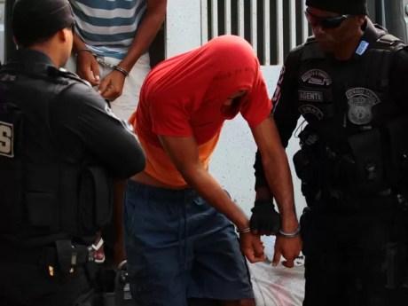 OPeração da PF foi deflagrada para investigar ppresidiários que comandam assaltos a banco de dentro de cadeias (Foto: Marlon Costa/Pernambuco Press)
