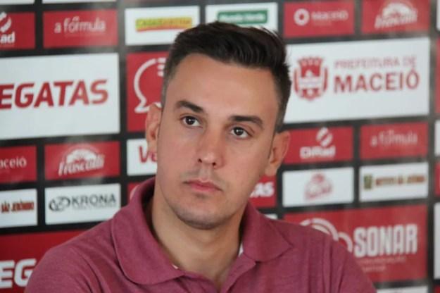 Thiago Paes disse que hoje exerce a função de executivo de futebol — Foto: Denison Roma/GloboEsporte.com
