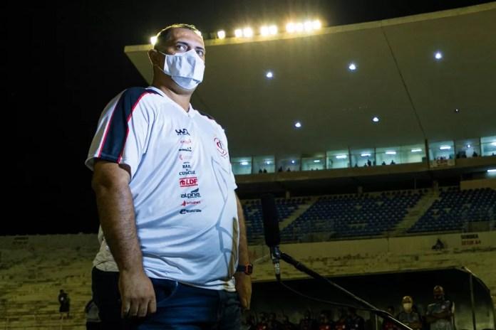 Ederson Araújo foi demitido nessa segunda-feira — Foto: Daniel Lins / Campinense