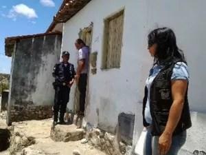 Crianças abandonadas em Jacobina (Foto: Emerson Rocha/Site: Bahia Acontece)