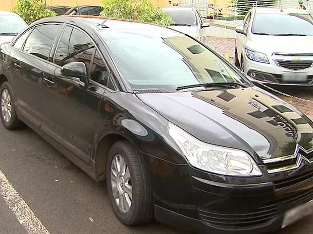 Segundo a polícia, carro estava com as parcelas atrasadas (Foto: Reprodução/EPTV)