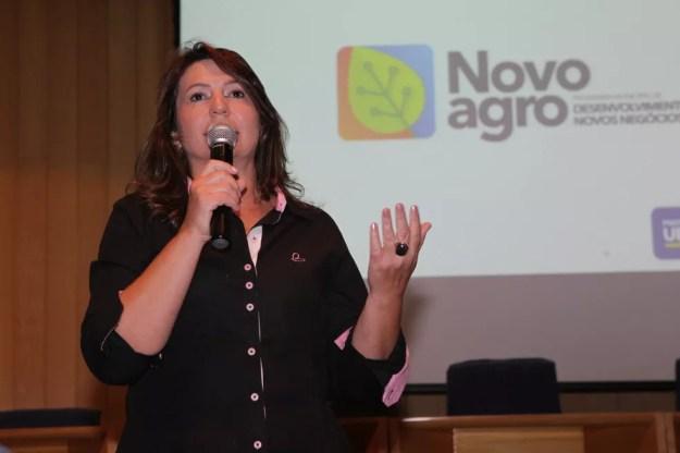 Secretária municipal de Agropecuária de Uberlândia, Walkíria Naves, durante lançamento do programa em novembro  (Foto: Valter de Paula/Secom/PMU)