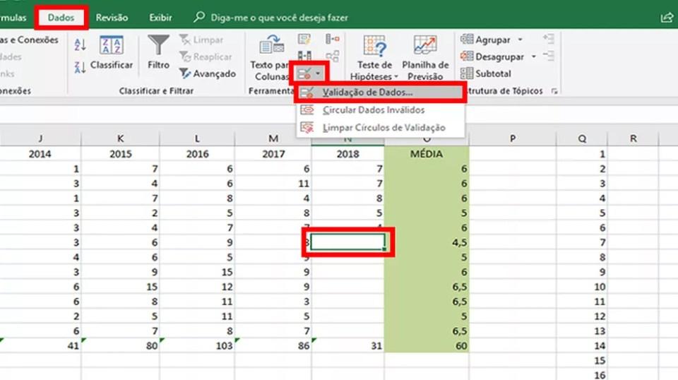 """Em """"Dados"""", marque uma célula e aperte nos comandos em destaque para configurar a tabela do Excel (Foto: Reprodução/Daniel Ribeiro)"""