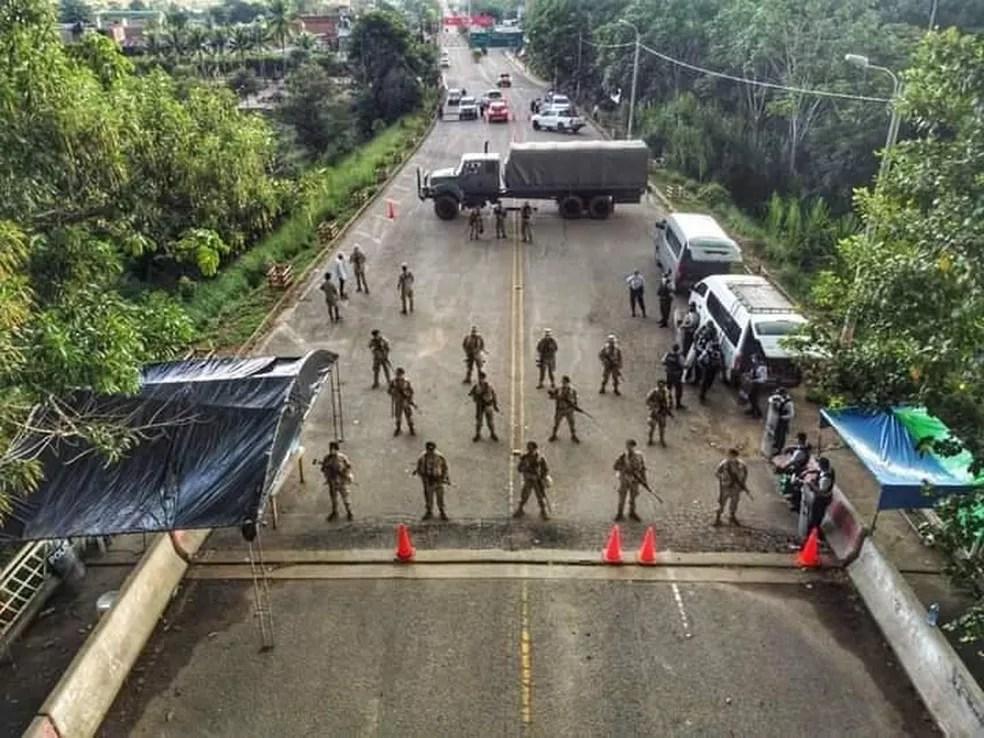 Ponte ficou fechada para passagem de imigrantes de Assis Brasil para o Peru este ano — Foto: Arquivo/Prefeitura
