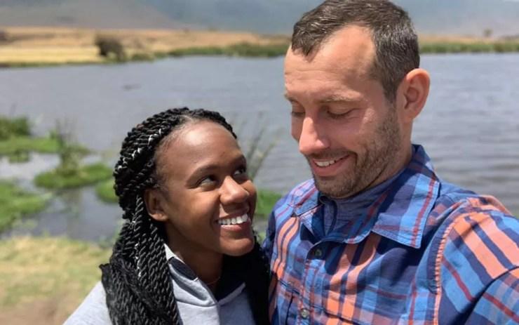 """Kenesha Antoine e Steven Weber estavam em uma viagem """"única na vida"""" quando o acidente aconteceu — Foto: Reprodução/Facebook/Kenesha Antoine"""