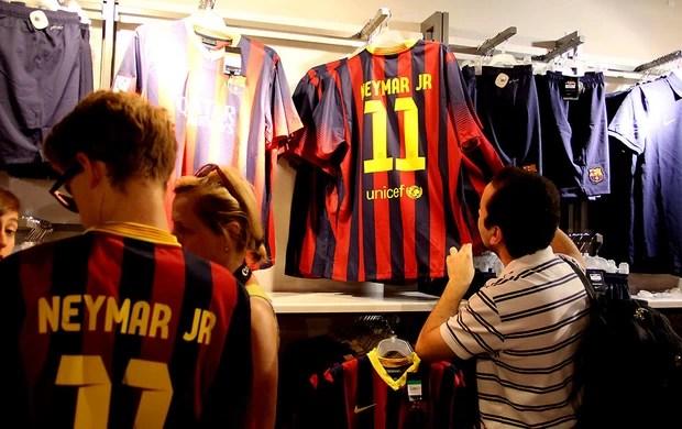 camisa neymar barcelona número 11 (Foto: Luiz Carlos Wessler / Futura Press)