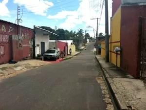 Crime ocorreu na noite de sábado (24) em rua do bairro Redenção, Zona Centro-Oeste de Manaus (Foto: Adneison Severiano/G1 AM)