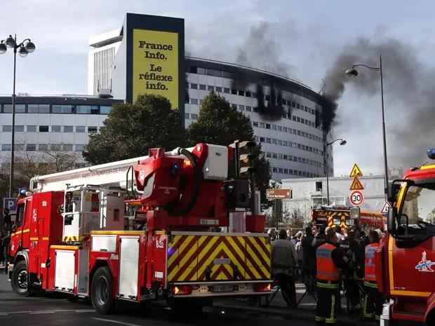 Maison de la Radio pegou fogo nesta sexta (Foto: Thomas Samson/AFP)