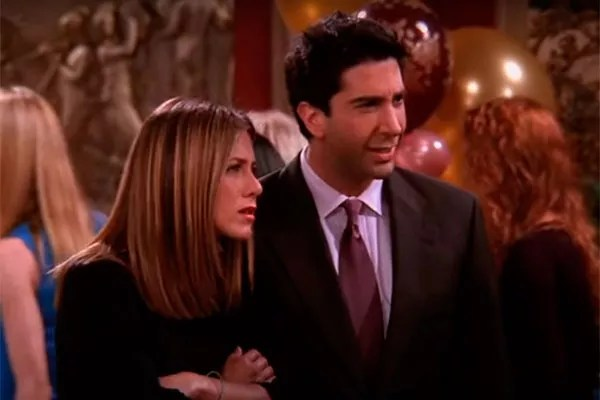 Jennifer Aniston and David Schwimmer in scene from Friends (Photo: reproduction)