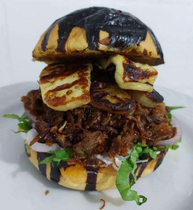 Sanduíche com pão de cajuína é produto mais procurado em hamburgueria de Teresina — Foto: Arquivo Pessoal/Danyllo Robson
