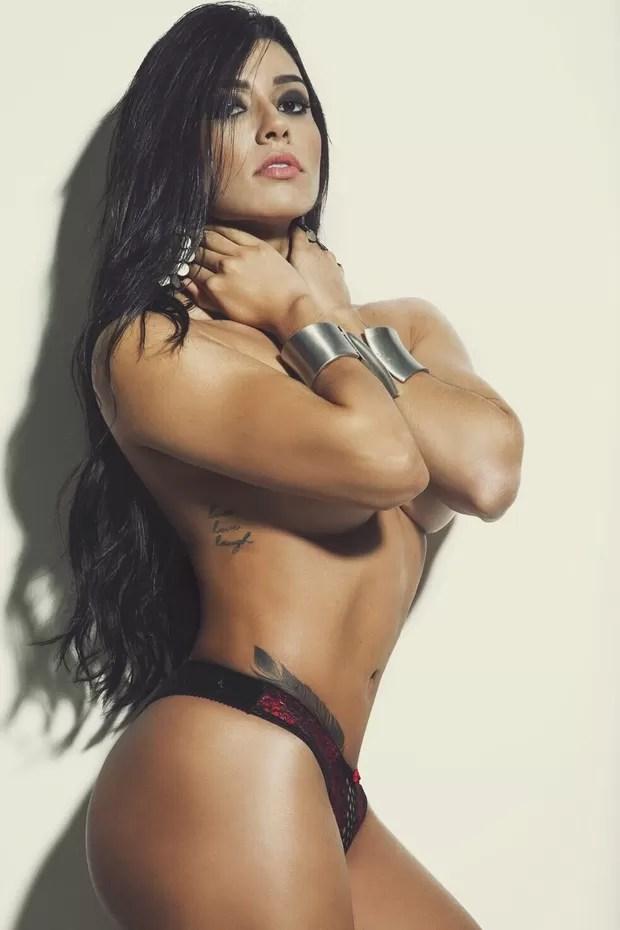 Cintia Valentin, candidata ao concurso mulher mais sexy do Brasil (Foto: Rogério Tonell/Divulgação)
