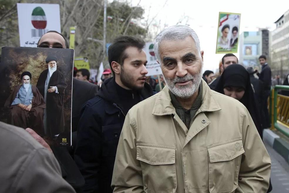 Em foto de 2016, Qassem Soleimani participa de celebração do aniversário da revolução islâmica de 1979 no Irã — Foto: AP Photo/Ebrahim Noroozi, File