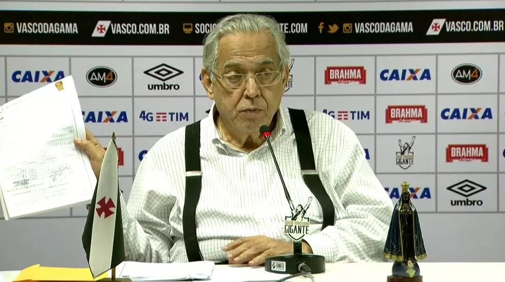 Eurico Miranda durante a coletiva da última quinta-feira (Foto: Reprodução)