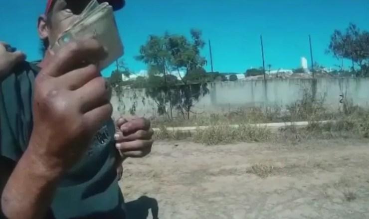 Homem ofereceu suborno de R$ 1,5 mil para guardas em Jundiaí (Foto: Reprodução/TV TEM )