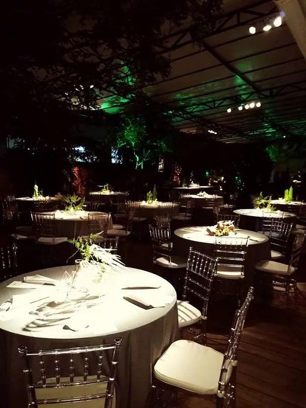 O Quintal da Bela tem um jardim coberto de 300 m² para miniweddings  (Foto: Divulgação / Facebook)