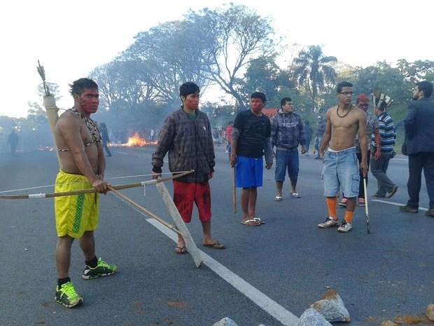 índios protesto rodovia dos bandeirantes (Foto: Paulo Guilherme/G1)
